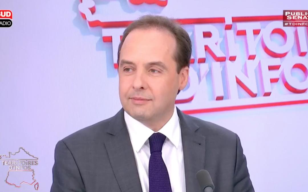 """""""Le Front National, c'est le chaos moral et civique, c'est le chaos économique et social."""""""