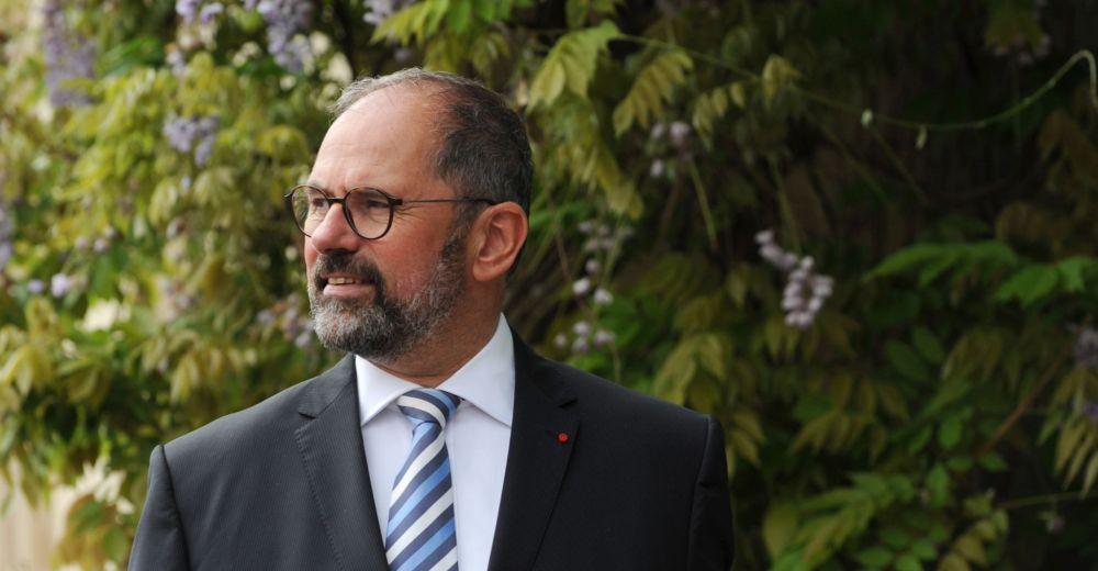 """""""Les maires pensaient qu'Edouard Philippe aurait plus de marges de manoeuvre pour défendre les territoires."""""""